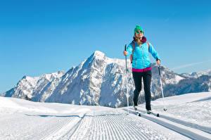 Fonds d'écran Hiver Ski Neige Veste Chapeau d'hiver Lunettes Sport Filles