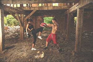 Bakgrunnsbilder Boksing En mann To 2 Fysisk trening Unge_kvinner Sport