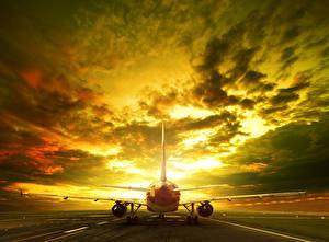 Bilder Flugzeuge Abend Himmel Verkehrsflugzeug Wolke Luftfahrt
