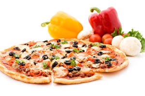 Photo Fast food Pizza Bell pepper Tomatoes Olive White background Food