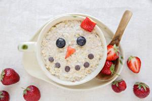 Fotos Müsli Erdbeeren Smilies Tasse Design Frühstück