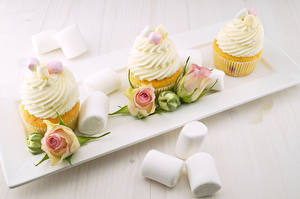 Pictures Rose Little cakes Cupcake Marshmallow Flower-bud Three 3 Food Flowers