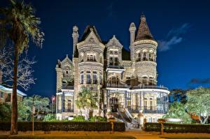 Image USA Building Texas Mansion Design Night time Galveston