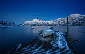Bilder Norwegen Lofoten Berg Bootssteg Boot Abend Bucht Natur