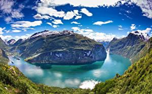 Hintergrundbilder Norwegen Gebirge See Himmel Landschaftsfotografie Wolke Geiranger Fjord Natur