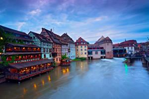 Hintergrundbilder Frankreich Gebäude Flusse Abend Straßburg