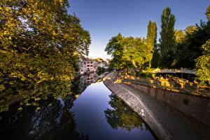 Bilder Frankreich Gebäude Straßburg Kanal Bäume