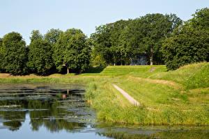 Hintergrundbilder Norwegen Teich Bäume Gras Fredrikstad Natur