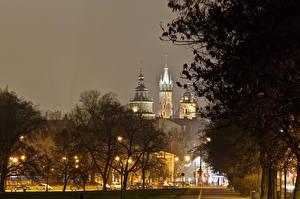 Pictures Krakow Poland Castles Night Trees Street lights Wawel Cities