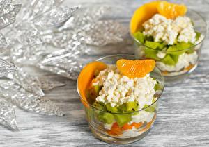 Fotos Topfen Weißkäse Quark Hüttenkäse Orange Frucht Kiwifrucht Dessert