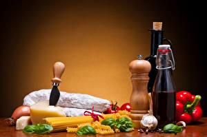 Bilder Stillleben Käse Wurst Knoblauch Flasche Makkaroni