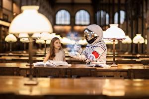 Bureaubladachtergronden Ruimtevaarder Magie Bibliotheek Meisje Vloerlamp Jonge_vrouwen