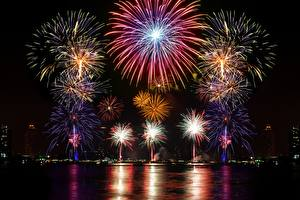 Pictures Fireworks Christmas Night 2017 Cities