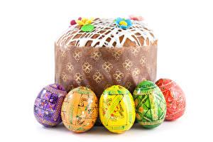 Fotos Feiertage Ostern Kulitsch Weißer hintergrund Ei