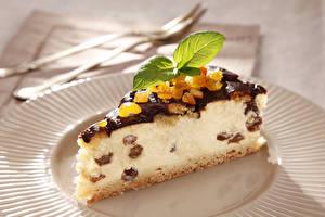 Hintergrundbilder Süßigkeiten Törtchen Obstkuchen Topfen Weißkäse Quark Hüttenkäse Rosinen Stück Minzen Lebensmittel