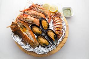 Hintergrundbilder Meeresfrüchte Garnelen Hummerartige Weißer hintergrund das Essen