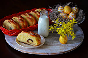 Fotos Stillleben Feiertage Ostern Backware Milch Brötchen Ei Flasche Lebensmittel