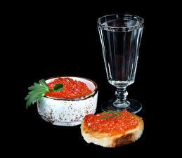 Fotos Stillleben Wodka Butterbrot Meeresfrüchte Kaviar Schwarzer Hintergrund Dubbeglas Lebensmittel
