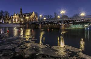 Fotos Stockholm Schweden Haus Flusse Brücken Nacht Straßenlaterne Eis