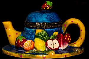 Fotos Süßware Torte Wasserkessel Obst Schwarzer Hintergrund Design Lebensmittel