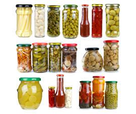 Hintergrundbilder Gemüse Pilze Oliven Gurke Weißer hintergrund Einweckglas Lebensmittel