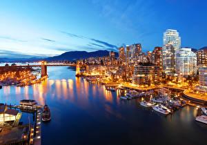 Bilder Kanada Gebäude Bootssteg Abend Brücken Vancouver Bucht Städte