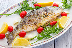 Bilder Fische - Lebensmittel Zitrone Tomate Teller Lebensmittel