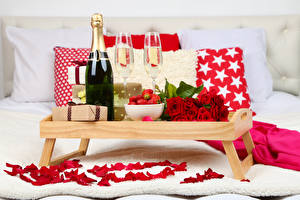 Picture Holidays Roses Champagne Strawberry Bottles Stemware Gifts Petals Food