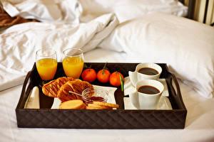 Bilder Saft Kaffee Mandarine Brötchen Frühstück Bett Trinkglas Lebensmittel