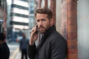 Pictures Ryan Reynolds Beard Beautiful Criminal, 2016 film Celebrities