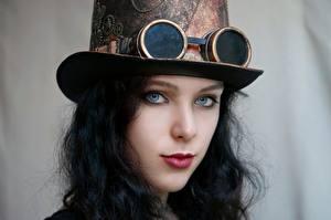 Fonds d'écran Steampunk Cosplayers Chapeau Lunettes Visage Voir Belle Cheveux noirs Fille Filles