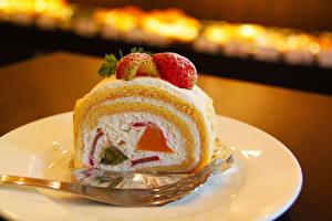 Hintergrundbilder Süßware Törtchen Erdbeeren Roulade Stück