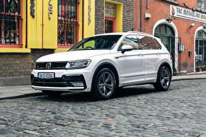 Hintergrundbilder Volkswagen Weiß Tiguan, R-Line automobil