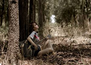 Photo Asiatic Sitting Guitar Trees Rest Girls