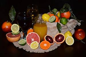 Fotos Zitrusfrüchte Fruchtsaft Zitrone Grapefruit Apfelsine Trinkglas Weinglas Lebensmittel