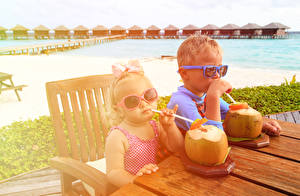 Images Drinks Resorts 2 Boys Little girls Eyeglasses Table Children