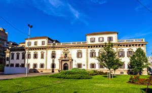 Bureaubladachtergronden Italië Paleis Gazon Een boom Milan Steden