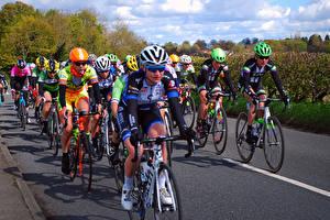Hintergrundbilder Mann Radrennen Fahrräder Helm Sport