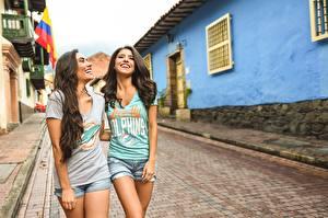 Desktop wallpapers Street Beautiful 2 Laughs Smile T-shirt young woman