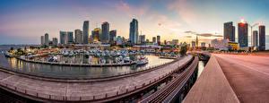 Bilder USA Haus Wolkenkratzer Abend Bootssteg Miami Bucht Städte
