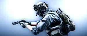 Bilder Battlefield 4 Soldaten Pistolen Militär Schutzhelm Maske Amerikanisch US Support computerspiel 3D-Grafik