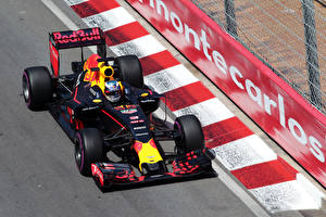 Pictures Formula 1 2016 Red Bull RB12 athletic Cars