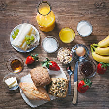 Bilder Fruchtsaft Brötchen Käse Erdbeeren Müsli Konfitüre Weintraube Frühstück Trinkglas Ei