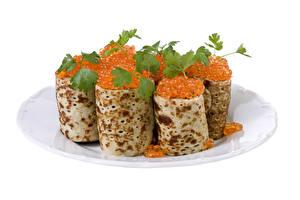 Hintergrundbilder Eierkuchen Meeresfrüchte Kaviar Weißer hintergrund Teller Blattwerk Lebensmittel