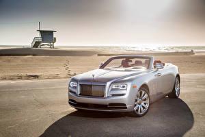 Picture Rolls-Royce Silver color Convertible 2016 Dawn automobile