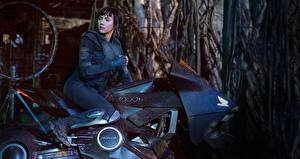 Photo Scarlett Johansson Ghost In The Shell, Major Movies Celebrities Girls Motorcycles