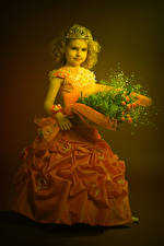 Pictures Bouquets Crown Little girls Model Gown Children