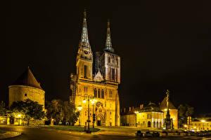 Bilder Zagreb Kroatien Gebäude Denkmal Straße Nacht Straßenlaterne Städte