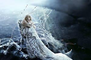 Bilder Kleid Sitzend Blondine Ast Eis Fantasy