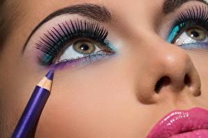 Hintergrundbilder Augen Wimper Gesicht Make Up Bleistifte Schöne Nase junge frau